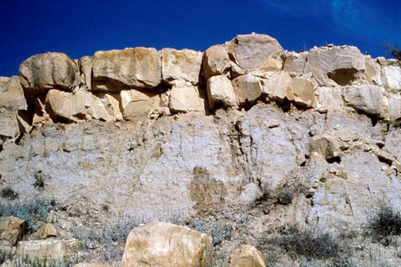 KGS--Geological Log Analysis--The Gamma Ray Log