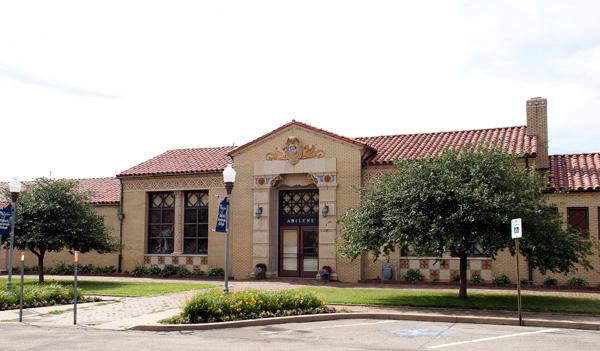 DK-Restored-Abilene-Union-Pacific-Depot