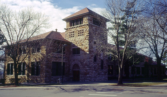 DG-Flint-Hall-1899-KU