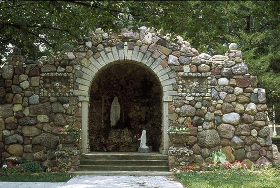 NM-St-Marys-quartz-grotto